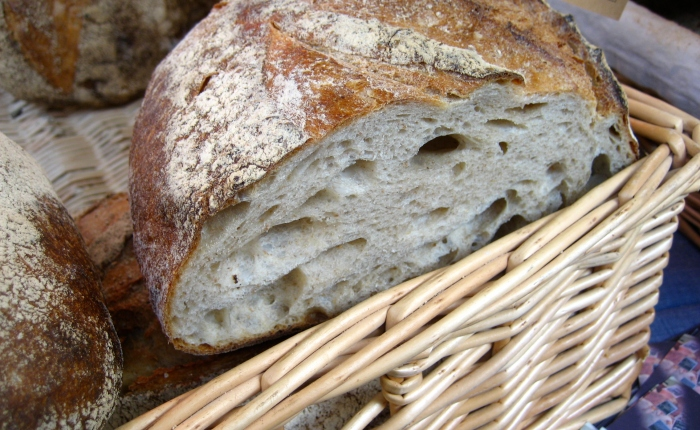 The importance of bread in society: the etymology of Lord